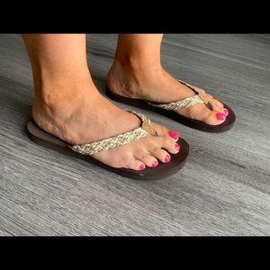 American Eagle brown, tan and cream flip-flops 8US